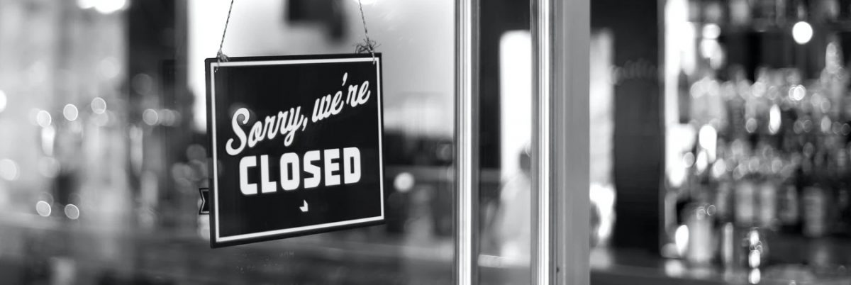 "Schild ""Sorry, we're closed"""
