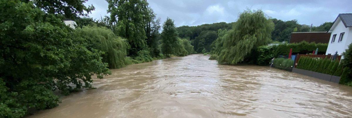 Sülz bei Hochwasser am Lehmbach in Rösrath-Hoffnungsthal